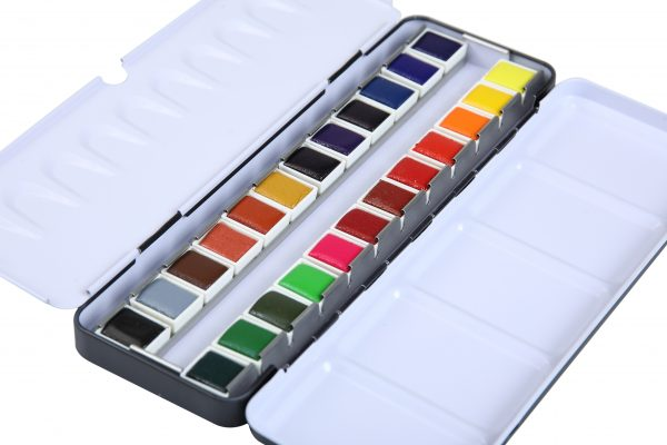 Brustro Professional Artists' Watercolour 24 half pan set with Brustro Kolinsky Imitation Brush Round 6